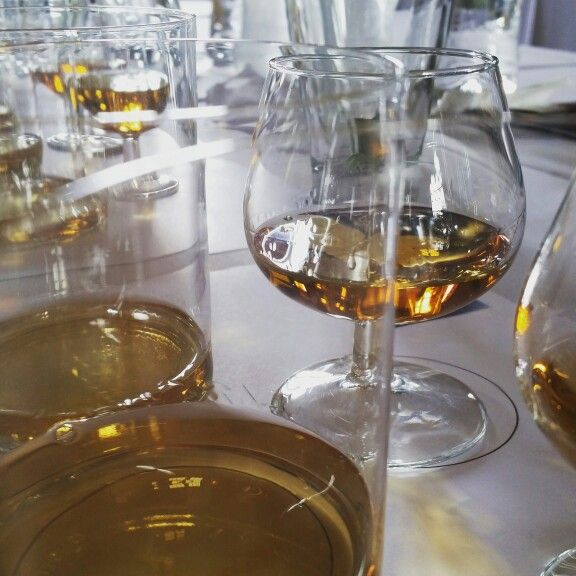 Cata de whiskey en MORELIA EN BOCA 2015 by laphroaig whisky