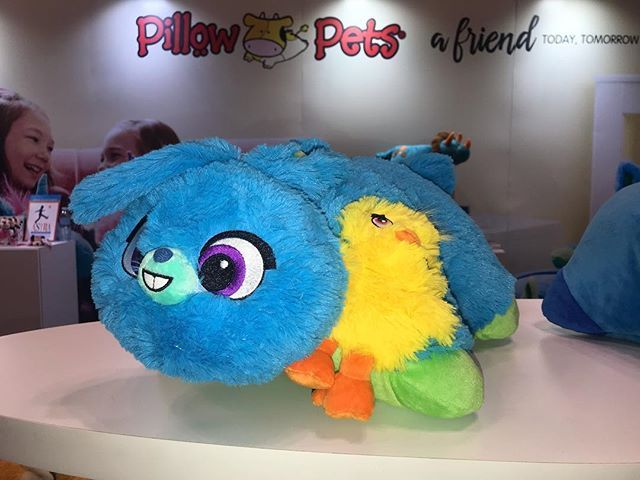 Look At The New Originalpillowpets For Bunny And Duckie Coming Soon From Toy Story 4 Toyfair Ny Toyfair Tfny2019 Chipandco M Toy Story Ducky Disney Toys