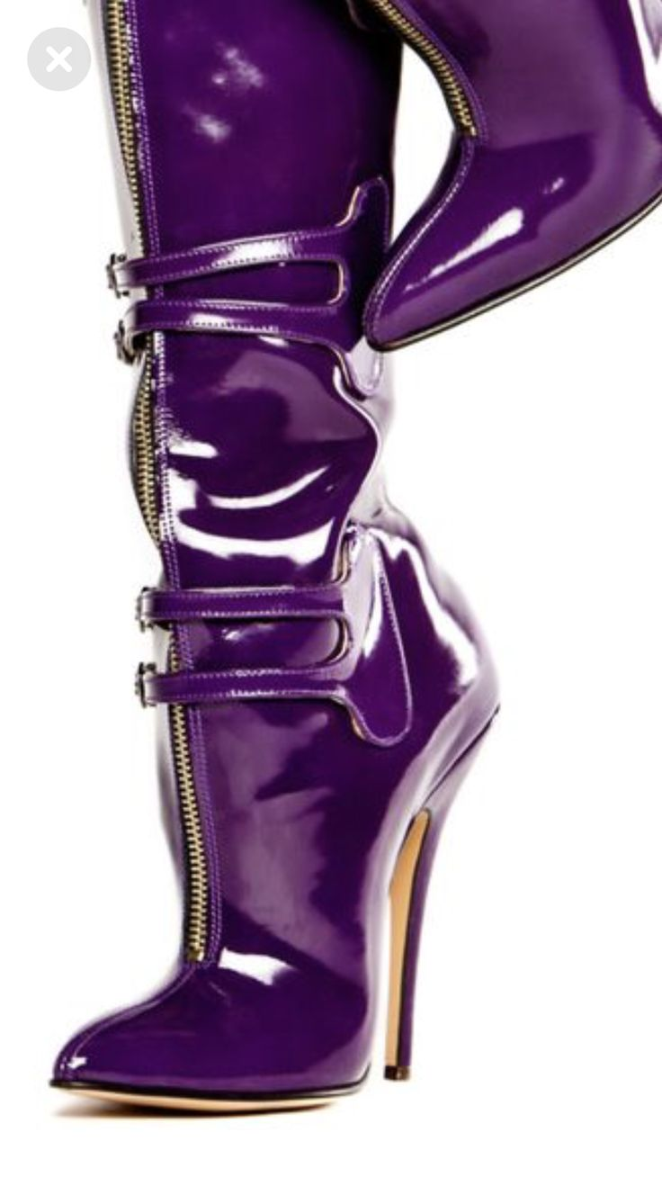 #highheelbootslatex