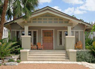 Craftsman bungalow // large front patio // front door
