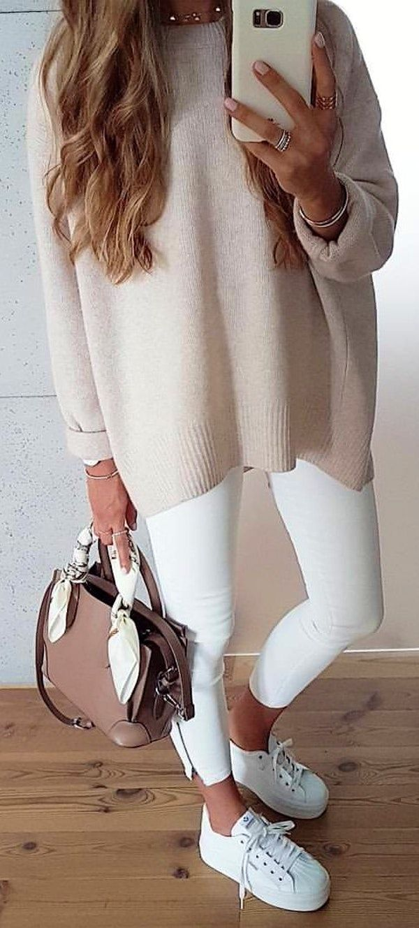 #winter #outfits #casula#fashionista#ootd#pastelcolor#zara#zaraoutfit#whitepants#look#cashmere#sneakers#polishgirl#fashion#modeblog#casuallook#instafashionista#styleoftheday#outfit#instaoutfit#