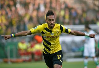 Arsenal break transfer record to sign Aubameyang