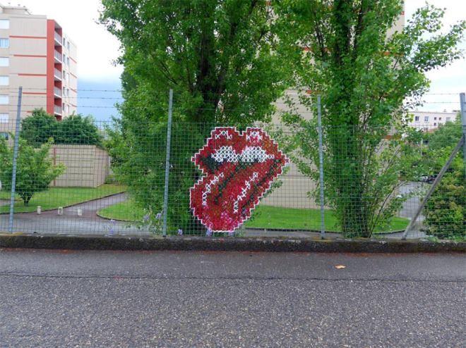 Creative Street Art - Cross-Stitch Murals on Fences   iCreativeIdeas.com Like Us on Facebook ==> https://www.facebook.com/icreativeideas