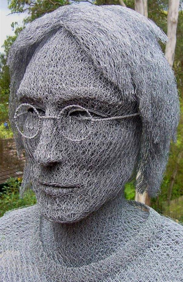 25 Beautiful Wire Sculptures around the world for your inspiration | Read full article: http://webneel.com/wire-sculpture | more http://webneel.com/sculpture-works | Follow us www.pinterest.com/webneel