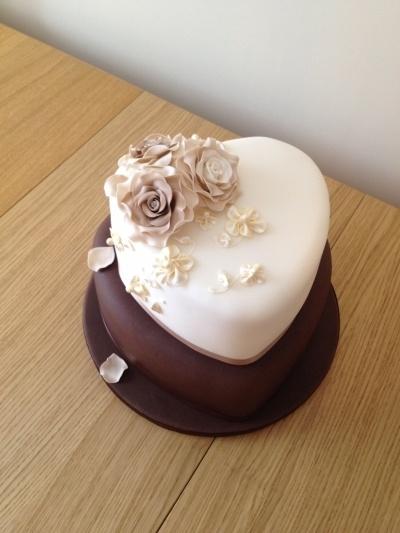 mocha & ivory heart shape wedding cake