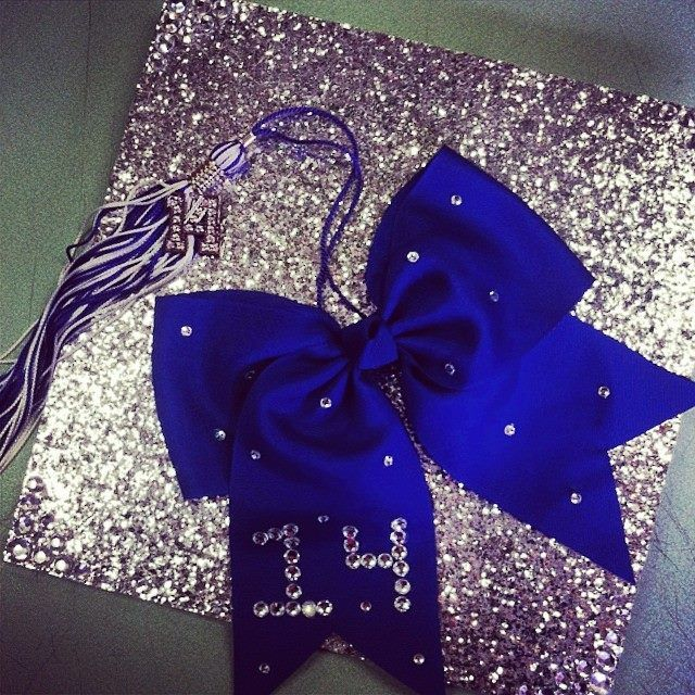 Could switch the blue out for a green or black bow to match my class colors