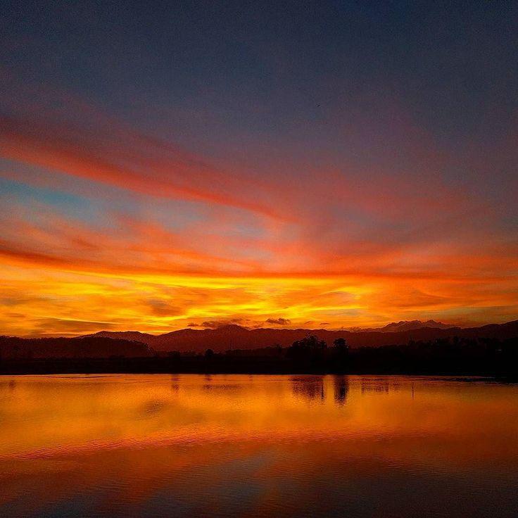 Ilhota tem suas belezas #sunset #pordosol #sol #santacatarina #nature #rioitajaiaçu #natureza