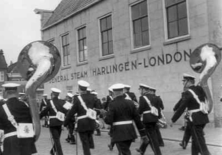 Harlingen - De Marinierskapel (tijdens vlootbezoek)- 1965