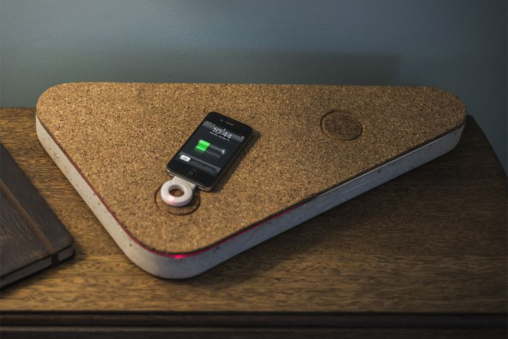 qi inductive charger made from concrete and cork