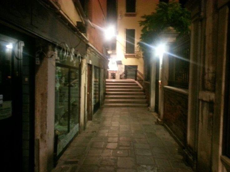Venecia de noche.