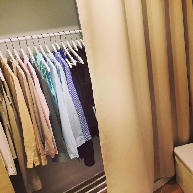 die besten 25 lederhocker ideen auf pinterest blau schlafzimmer farbe blaue bettw sche und. Black Bedroom Furniture Sets. Home Design Ideas