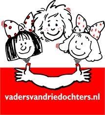 Jan en ik hebben drie dochters: Maren, Lauri en Sylke. Jan is dan ook lid van http://www.vadervandriedochters.nl