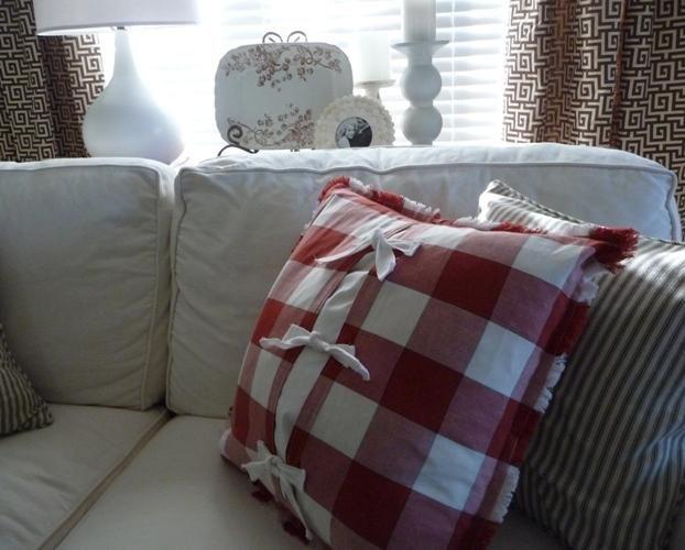 DIY Pillow DIY Pillow covers from Pottery Barn Fabric napkins DIY Pillow