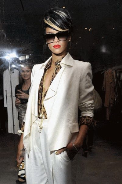 Rihanna: White suit cheetah shirt with gold necklace! GORGEOUS