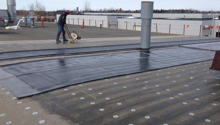 Commercial roofing services . Flat roof Repair.