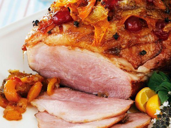 Weihnachtsschinken mit Marmeladenglasur ist ein Rezept mit frischen Zutaten aus der Kategorie Schwein. Probieren Sie dieses und weitere Rezepte von EAT SMARTER!