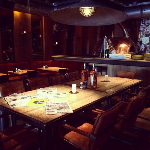 Pizza in Utrecht. Orloff aan de Kade, geweldig voor borrel en diner! Check de review: http://www.mytravelboektje.com/?p=328