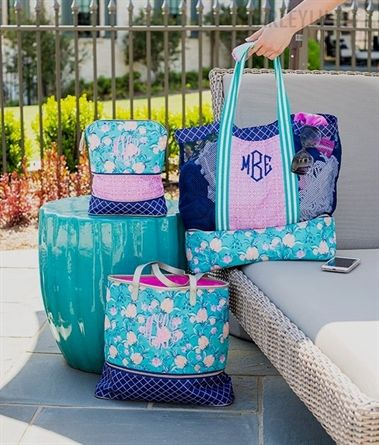 d673c112452d3c ... ML FavesPin14The ✨NEW✨ Monogrammed Beach Tote, Expandable Overnight #Bag,  and Expandable Cosmetic #Bag make the perfect traveling set for any vacay!