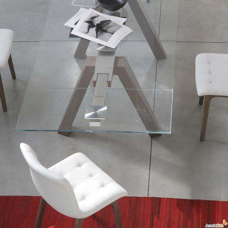 Tavolo design Aron di Bontempi con gambe laccate - ARREDACLICK