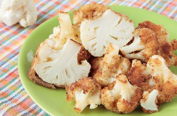 Sajtos-tejfölös bundás karfiol, sütőben sütve - Olyan, mint a rántott, csak nem lesz olajszag | femina.hu