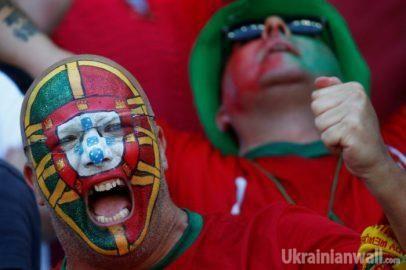 Самые яркие футбольные фанаты этого лета. ФОТО http://ukrainianwall.com/blogosfera/samye-yarkie-futbolnye-fanaty-etogo-leta-foto/  26 июня в США завершился Копа Америка 2016, который по пенальти у аргентинцев выиграла сборная Чили. А вот в Европе чемпионат континента только выходит на финишную прямую плей-офф.   Re-actor