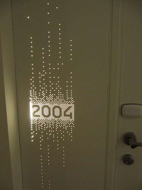 Vingcard signature RFID lock, white reader, Backlit Room Sign Bella Sky | Flickr - Photo Sharing