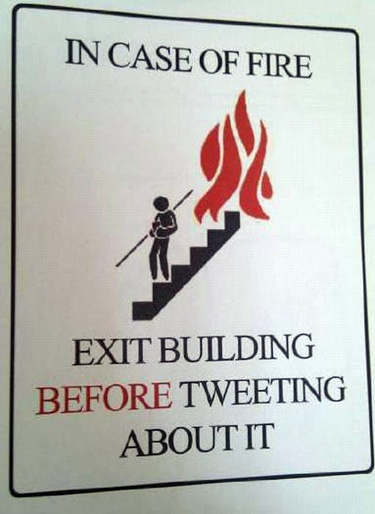 signs for the new generationTwitter, Signs, Social Media, Buildings, Common Sen, Funny, Safety First, Socialmedia, Good Advice