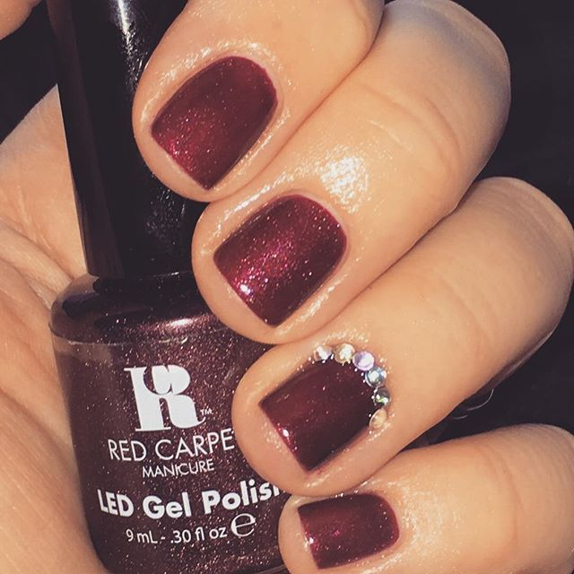 Forgotten how much I LOVE this colour! Red Carpet Manicure in 'Haute Couture' with Red Carpet Manicure 'Gems and Jewels' ... @redcarpetmanicure @redcarpetmaniuk #redcarpetmanicure #hautecouture #gemsandjewels