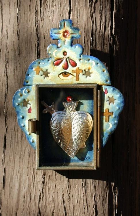 Nicho shrine to the sacred heart of Mary