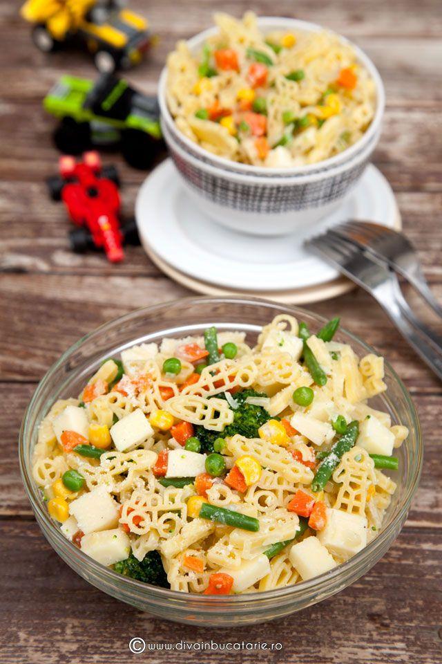 http://www.divainbucatarie.ro/salata-de-paste-baneasa-copiilor-cu-legume/