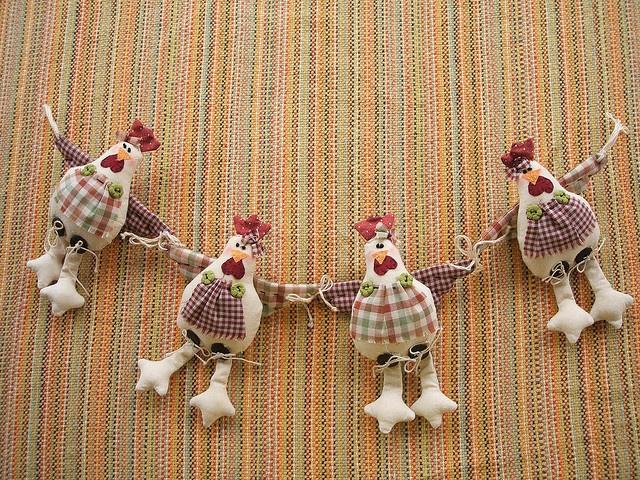 Galinhas Irmãs by Sherry - Maria Cereja, via Flickr