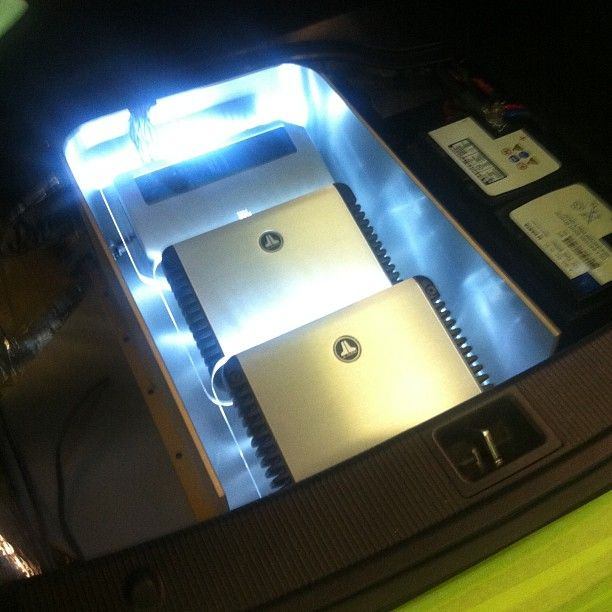 17 best images about car audio istanbul cars and trunk amp rack lit up in a mercedes black edition 2012 jl audio 10w7