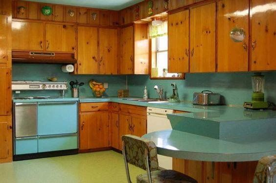 17 best ideas about knotty pine cabinets on pinterest knotty pine kitchen pine kitchen - Knotty pine cabinets makeover ...