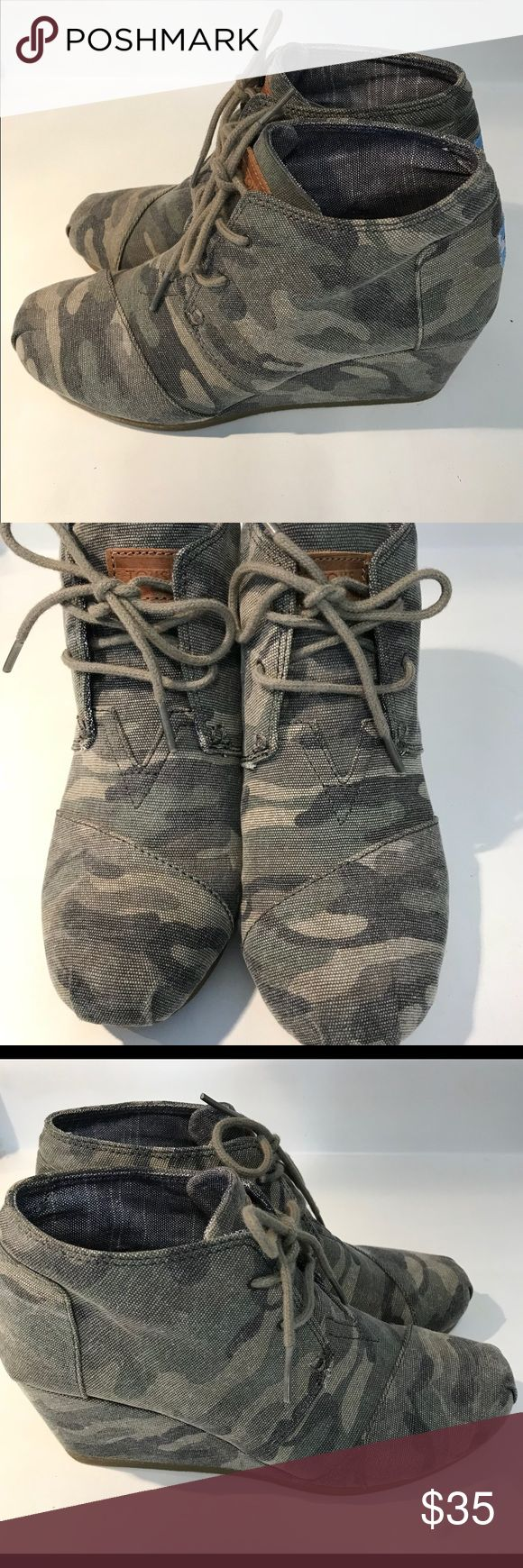 CAMO TOMS DESERT WEDGES EUC TOMS Shoes Ankle Boots & Booties