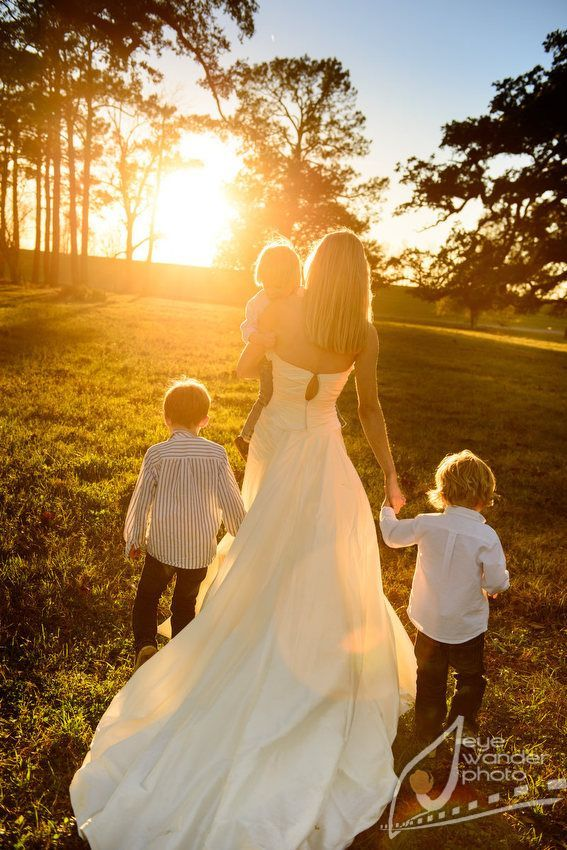 Bridal images with youngsters 50+ greatest outfits