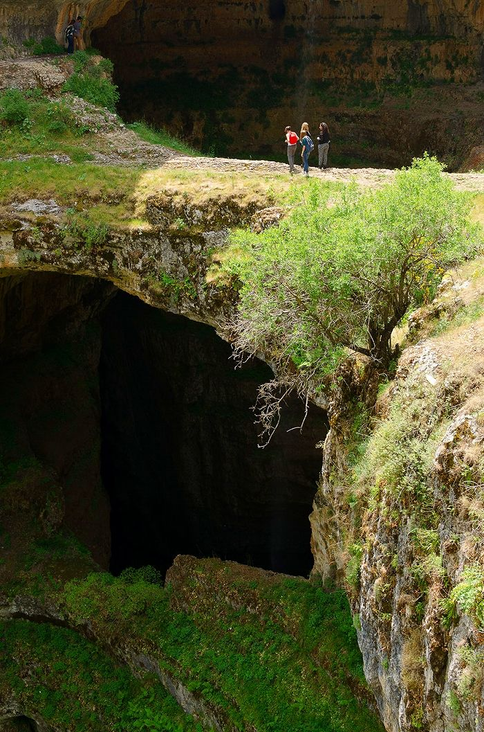 散策するには注意が必要です。-バータラ峡谷, レバノン