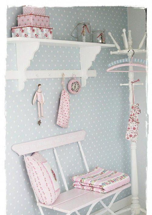die besten 25 gestreifte tapete ideen auf pinterest streifen tapete innenr ume und. Black Bedroom Furniture Sets. Home Design Ideas