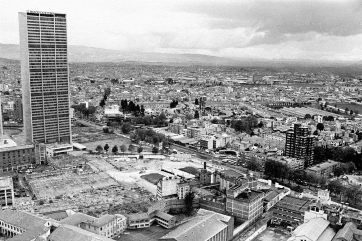 21 panorámicas de la Bogotá de los 80' | ELESPECTADOR.COM Centro Internacional y Av Caracas