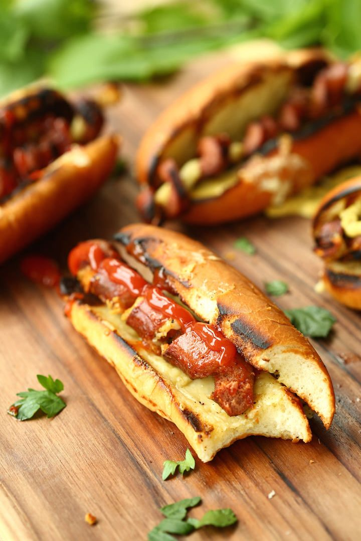 Spiralized Hot Dogs with Flavorful, Melty Cheese: These hot dogs look great, but more importantly, they also include cheese.