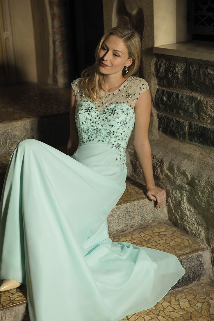 The 55 best Abendmode Abendkleider Kleemeier 2018 images on      Kleemeier  Abendmode  Abendkleid  EveningDress Zartes Chiffonkleid in Aqua  mit dezent  transparenter