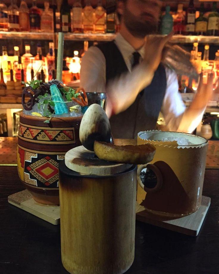 Londrada geçen sene kokteyl barı Oriole de içtiğimiz bu sanat eserinin adı Hispaniola ve Woodford Reserve bazlı bir burbon kokteyli. Oriole bugün açıklanan dünyanın en iyi 50 barı listesindeki bir bar ve 15 sıra birden yükselmiş