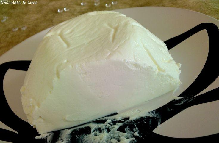 DIY Philadelphia Cheese - On n'économisera pas forcément avec cette recette, mais quel plaisir de l'avoir fait soi-même :)