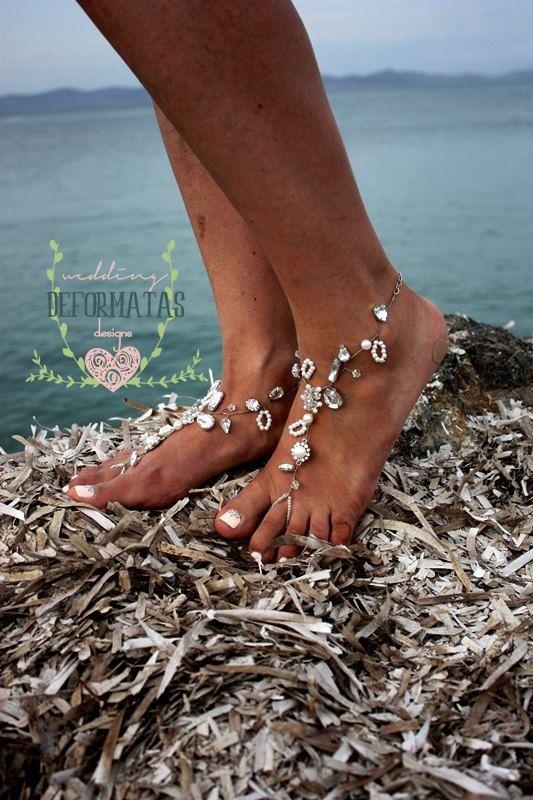 ❤A paar strand bruiloft Barefoot Sandals, Pearl Barefoot Sandals, bruids juwelen Barefoot Sandals, parel en strass strand bruiloft Barefoot Sandals❤  Strand bruiloft bruiden verdienen om het elegante kijken op hun trouwdag. Ontaarden in een paar van onze one-of-a-kind juwelen, barefoot sandalen voor uw strand bruiloft of voor elke barefoot gelegenheid. Waarom gaan blootsvoets wanneer u uw voeten met juwelen kan versieren? Van casual tot elegant - voegt deze parels barefoot sandals de…