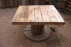 Resultado de imagen de mesas de jardin recicladas