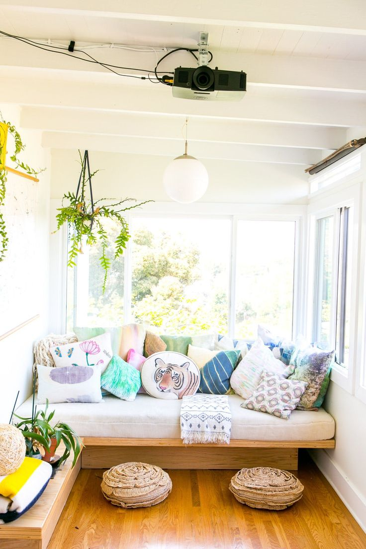 Sunroom with Daybed/reading nook (diy ideas + storage)