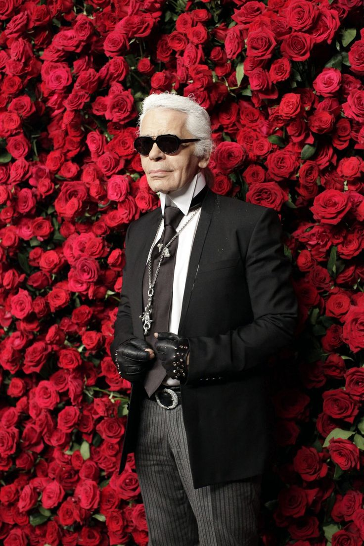 "Karl lagerfeld- collar reminiscent of late 18th, early 19th century British ""dandy"" fashion"