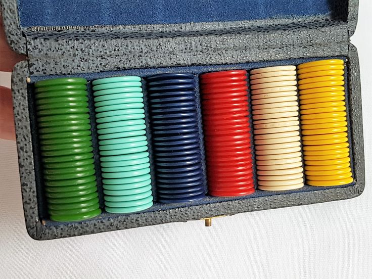 BAKELITE GAMING COUNTERS/CHIPS