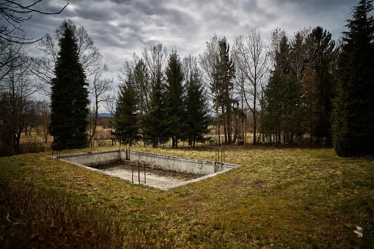 Swimming pool by Krzysztof Gurszyński on 500px