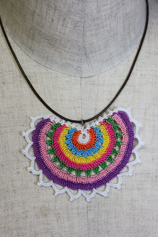 oya crochet motif necklace
