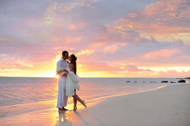 http://pulse.ng/weddings/destination-weddings-7-fascinating-places-to-have-the-ceremony-of-your-dream-id6648070.html